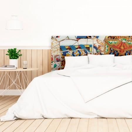 """Tête de lit en bois naturel """"trencadís"""" Gaudí"""