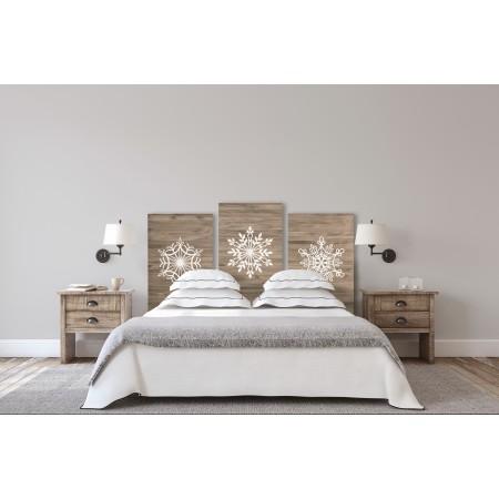 Flocons de neige âgés de tête de lit triple sur blanc