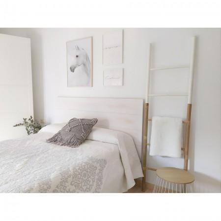 Tête de lit en bois décapé